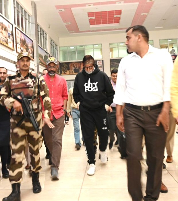 Amitabh Bachchan begins shooting for his football film Jhund with SAIRAT director