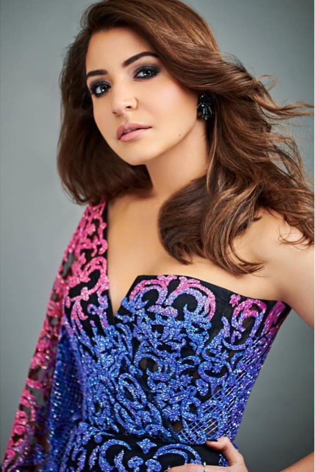 Anushka Sharma in Monisha Jaising for Zero promotions on Indian Idol 10 (2)