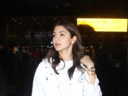 Bollywood-Actress-Anushka-Sharma-Spotted-at-Mumbai-Airport