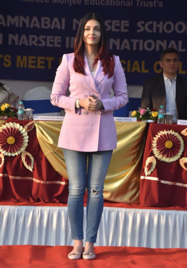 Aishwarya Rai Bachchan in Massimo Dutti blazer and Diesel denim for a sports meet (4)