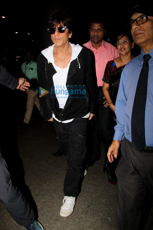 Hrithik Roshan, Shraddha Kapoor, Daisy Shah and others snapped at the airport5 (1)