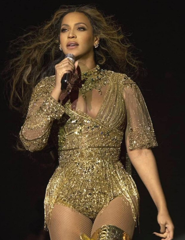 INSIDE VIDEOS: Beyonce goes desi, SIZZLES and MESMERIZES with her stunning performance at Isha Ambani - Anand Piramal's pre-wedding festivities