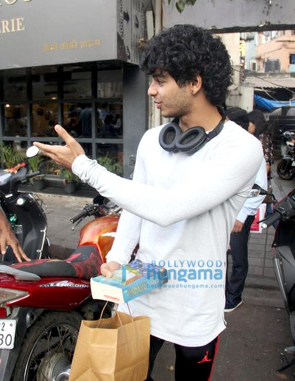 Ishaan Khatter spotted at Bastian in Bandra (3)