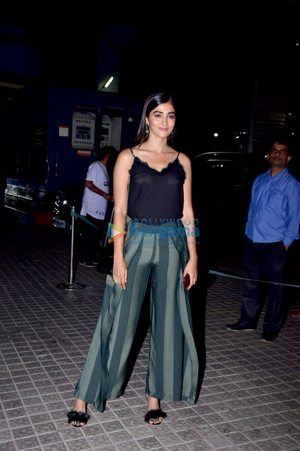 Janhvi Kapoor, Sara Ali Khan and others grace the special screening of 'Kedarnath' (7)