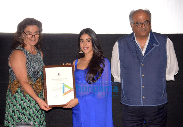 Janhvi Kapoor and Boney Kapoor snapped during felicitation at Royal Consulate of Norway (3)