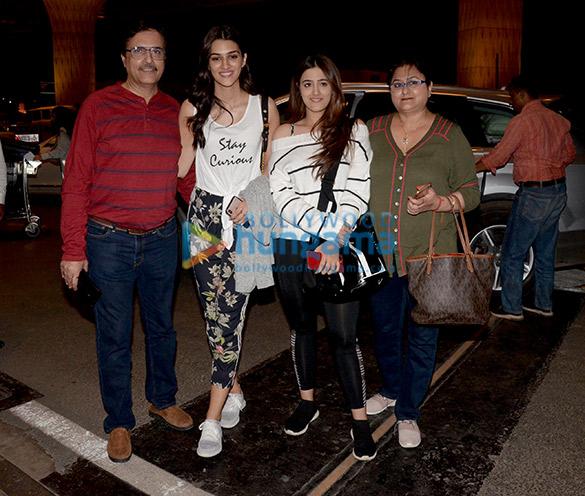 Kareena Kapoor Khan, Sonam Kapoor Ahuja, Alia Bhatt and others snapped at the airport4