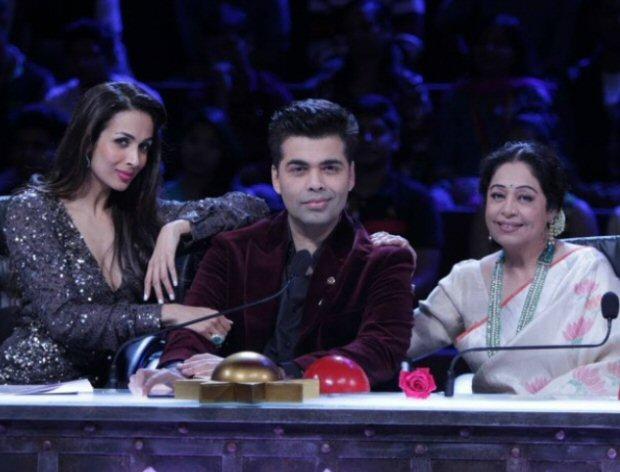 Koffee With Karan 6: Karan Johar can't help but ROAST his toodles gang Malaika Arora & Kirron Kher even on his chat show (what video)