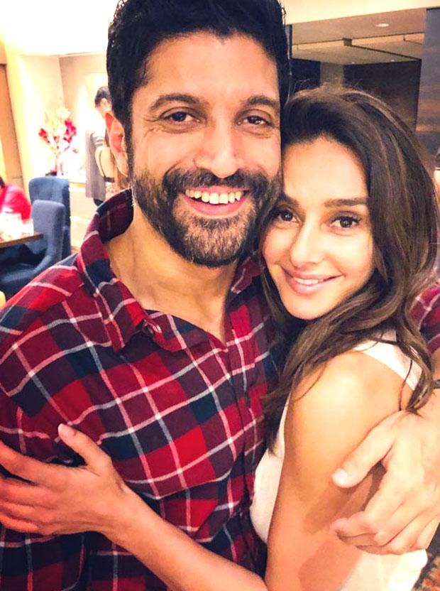 LOVE is in the air as Farhan Akhtar and Shibani Dandekar get cozy and cuddly