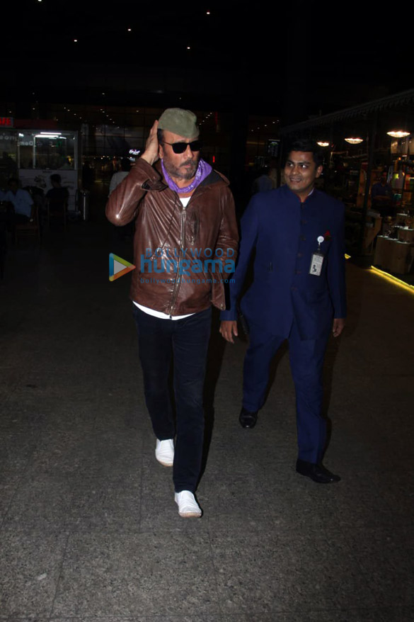 Mouni Roy, Sophie Choudry, Mahima Choudhary and others snapped at the airport6 (1)