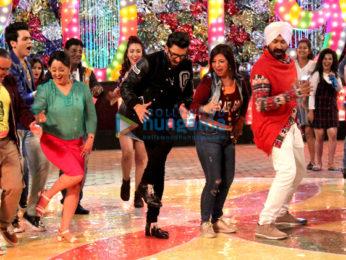 Ranveer Singh snapped on the sets of Tarak Mehta Ka Ooltaah Chashmah
