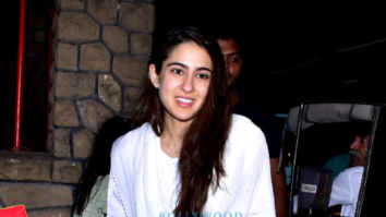 Sara Ali Khan with Amrita Singh spotted at Shani Mandir, Juhu