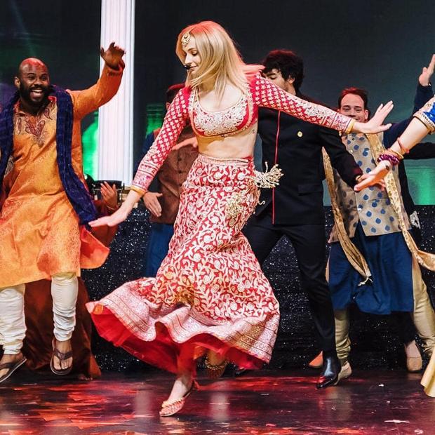 Sophie Turner in Abu Jani - Sandeep Khosla for Priyanka Chopra - Nick Jonas sangeet ceremony (1)