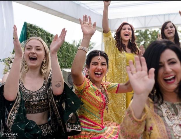 Sophie Turner in Anita Dongre for Priyanka Chopra - Nick Jonas Mehendi ceremony (1)