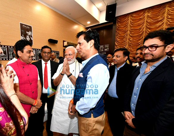 Aamir Khan, Rohit Shetty, Aanand. L. Rai, Subhash Ghai and others meet Sports Minister Rajyavardhan Rathore
