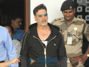 Akshay Kumar and Twinkle Khanna snapped at the airport