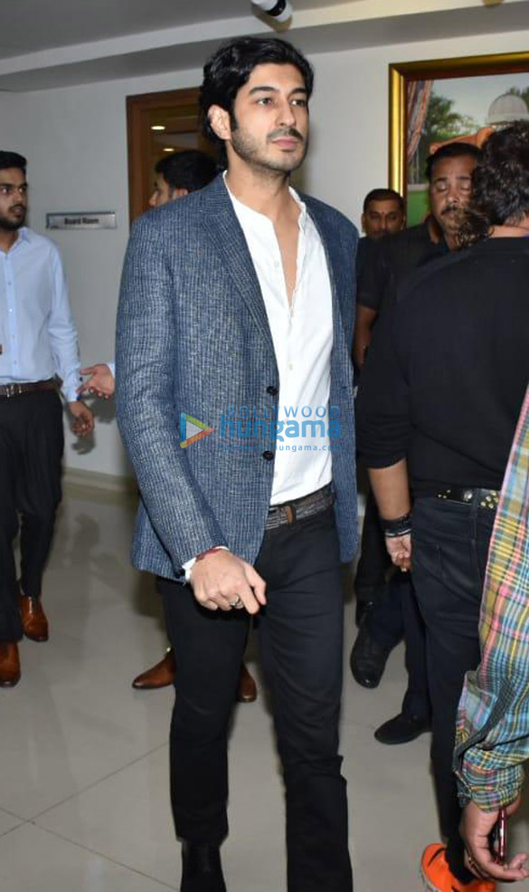 Amitabh Bachchan, Boney Kapoor and others snapped at Kokilaben Ambani Hospital for an event (5)