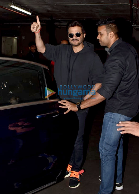 Anil Kapoor and Sonam Kapoor Ahuja snapped at the airport (3)