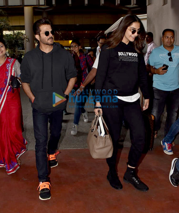 Anil Kapoor and Sonam Kapoor Ahuja snapped at the airport (5)