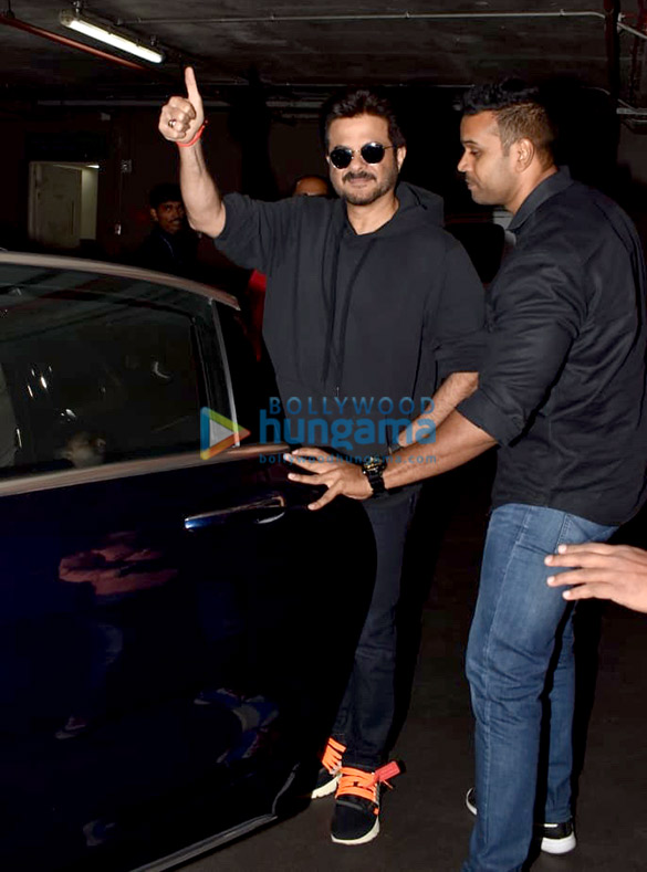 Anil Kapoor and Sonam Kapoor Ahuja snapped at the airport (6)