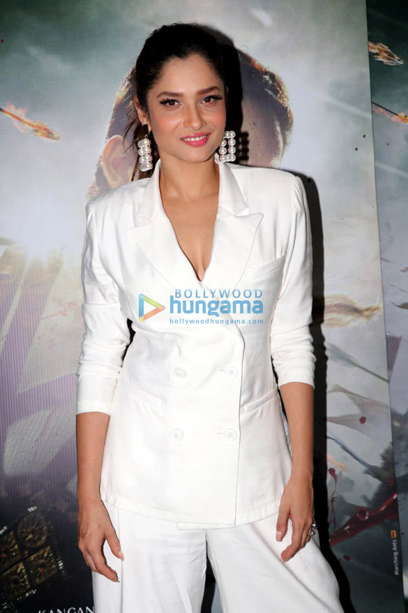 Celebs grace the special screening of 'Manikarnika – The Queen Of Jhansi' (15)