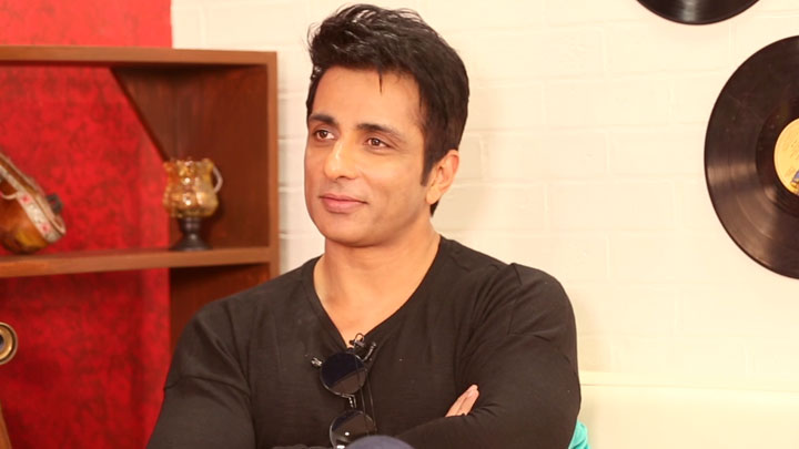 DON'T MISS Sonu Sood's SURPRISING Question for Shah Rukh Khan Rapid Fire