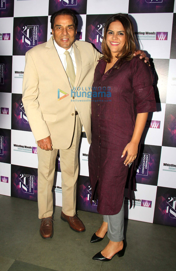 Dharmendra and Subhash Ghai grace the WWI convocation ceremony of the Class of 18 (4)