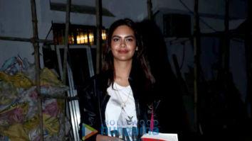 Esha Gupta and Shamita Shetty spotted at Kromakay salon in Juhu