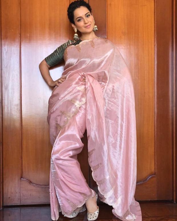 Kangana Ranaut in Ekaya Banaras for Manikarnika trailer launch in Hyderabad (3)