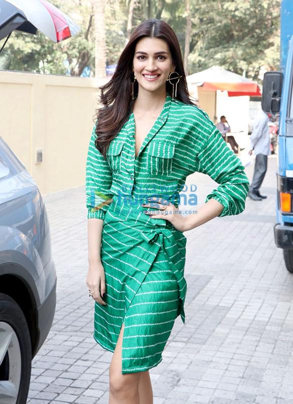 Kartik Aaryan, Kriti Sanon, Pankaj Tripathi and others grace the trailer launch of 'Luka Chuppi' (12)