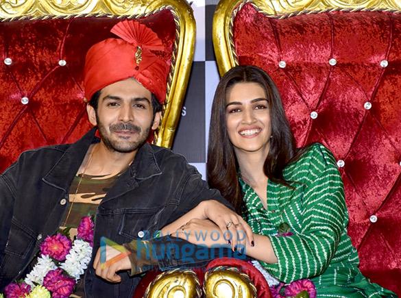 Kartik Aaryan, Kriti Sanon, Pankaj Tripathi and others grace the trailer launch of 'Luka Chuppi'2 (2)