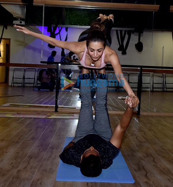 Malaika Arora snapped at a yoga class (2)