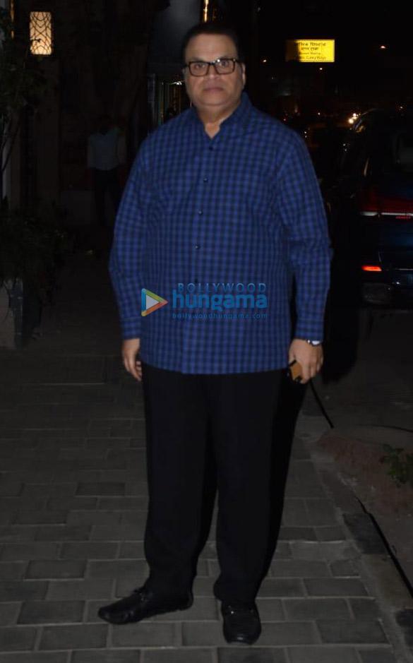 Rajkummar Rao, Kriti Sanon and others spotted at Soho House in Juhu (6)