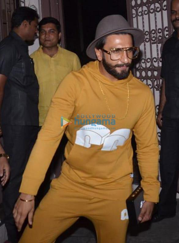 Ranveer Singh spotted at dubbing studio (1)