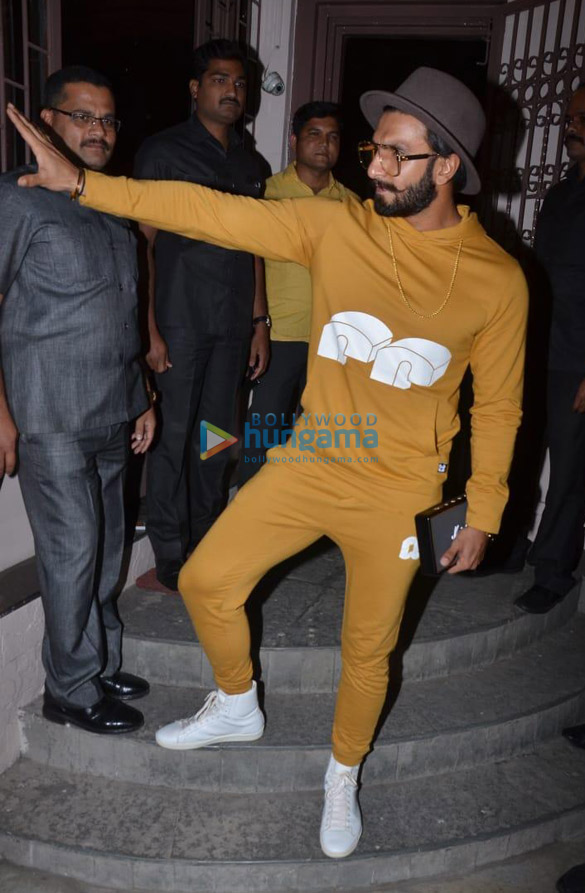 Ranveer Singh spotted at dubbing studio (3)