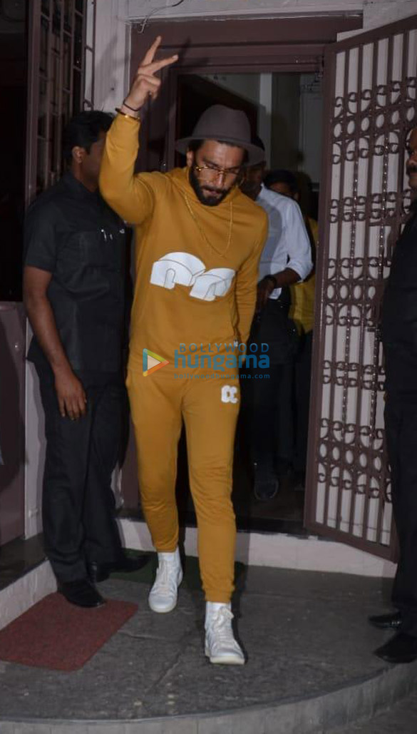 Ranveer Singh spotted at dubbing studio (6)