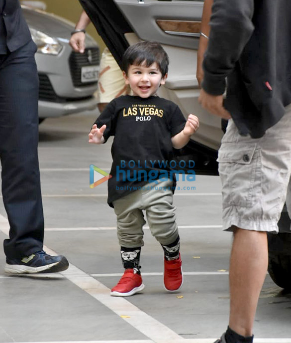 Taimur Ali Khan spotted at his play School in Bandra (1)