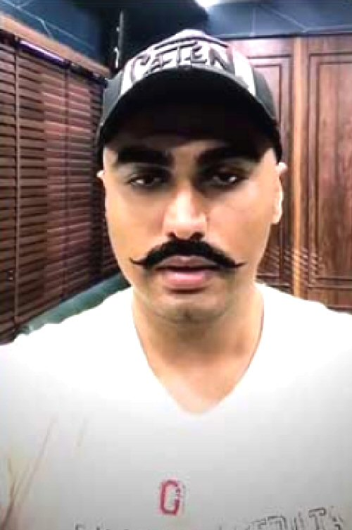 Watch Arjun Kapoor pays tribute to the martyrs of the third battle of Panipat