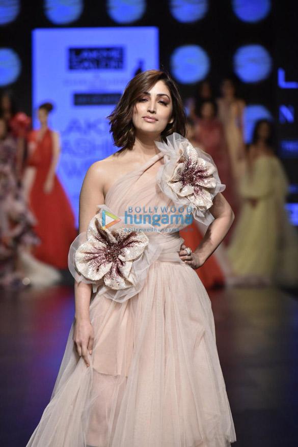 Yami Gautam walks the ramp for Gauri and Nainika at Lakme Fashion Week Summer Resort 2019 (4)