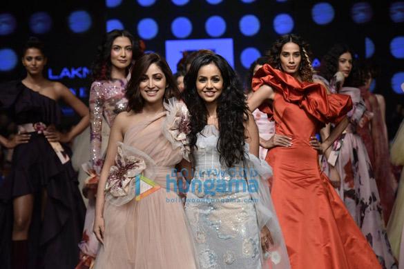 Yami Gautam walks the ramp for Gauri and Nainika at Lakme Fashion Week Summer Resort 2019 (5)