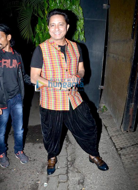 Anil Kapoor, Juhi Chawla and Sukhwinder Singh grace Vidhu Vinod Chopra's house party (3)