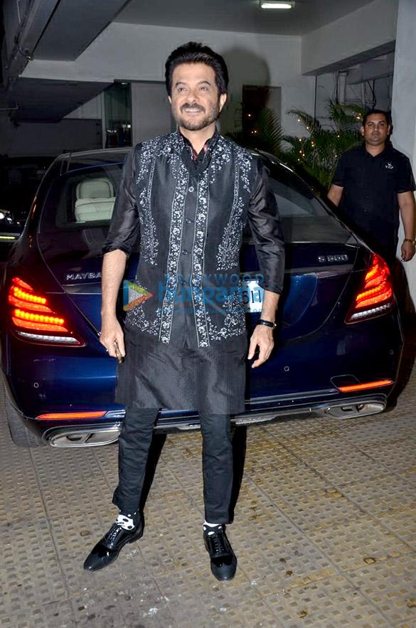 Anil Kapoor, Juhi Chawla and Sukhwinder Singh grace Vidhu Vinod Chopra's house party (4)