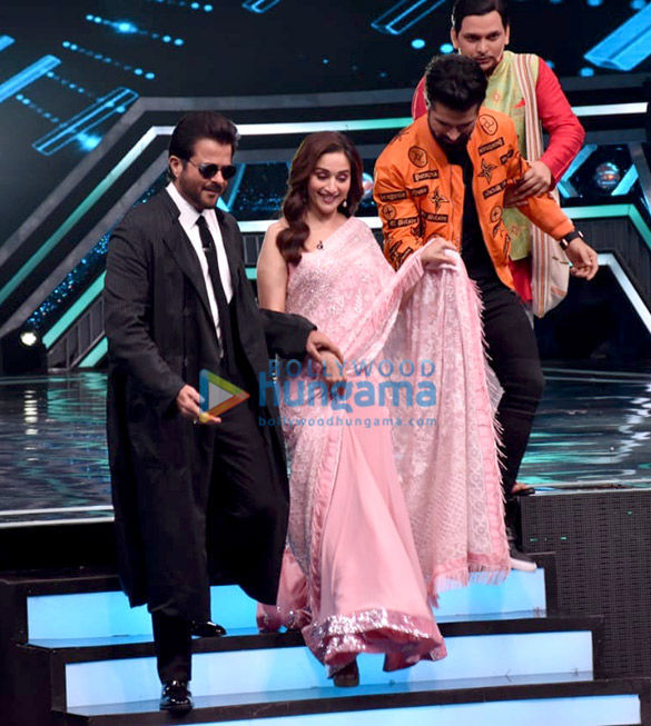 Anil Kapoor and Madhuri Dixit snapped promoting 'Total Dhamaal' on sets of Super Dancer Chapter 3 (3)
