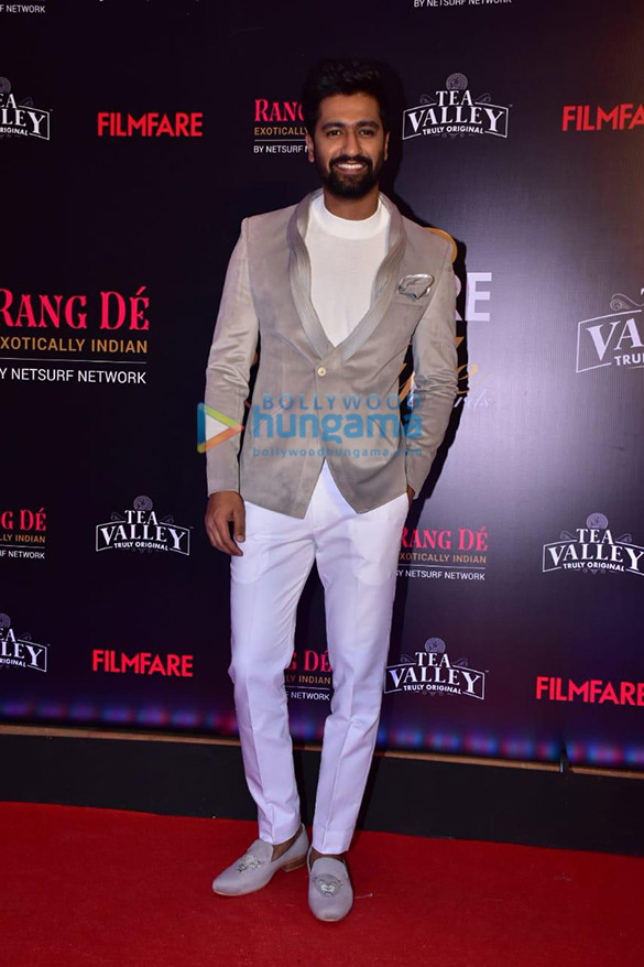 Celebs grace Filmfare Glamour and Style Awards 2019 at JW Marriott in Juhu-002 (13)