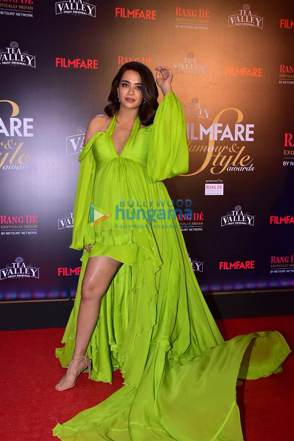 Celebs grace Filmfare Glamour and Style Awards 2019 at JW Marriott in Juhu-002 (18)