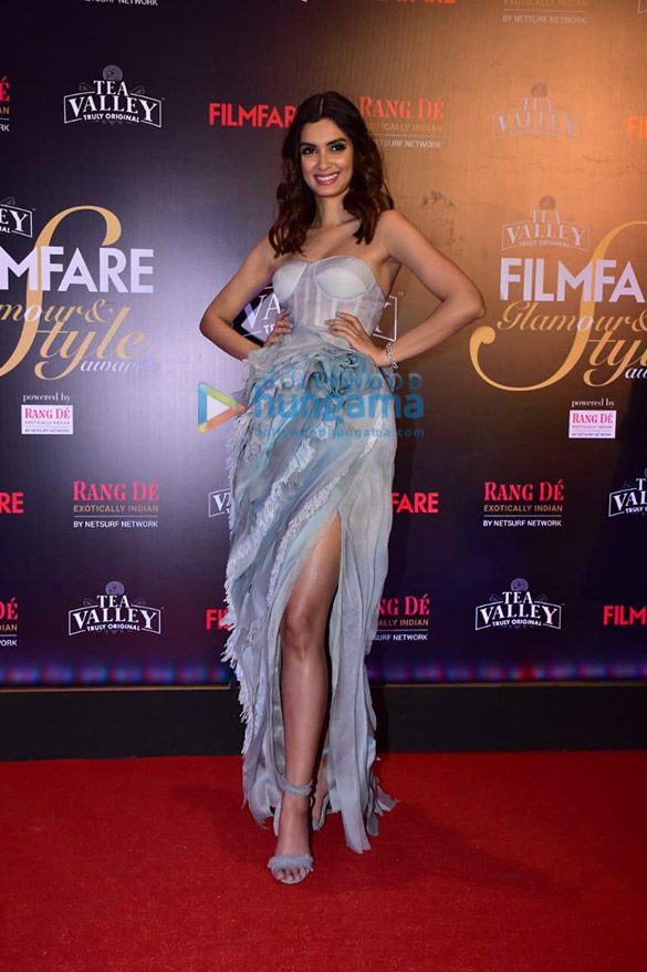 Celebs grace Filmfare Glamour and Style Awards 2019 at JW Marriott in Juhu-002 (19)