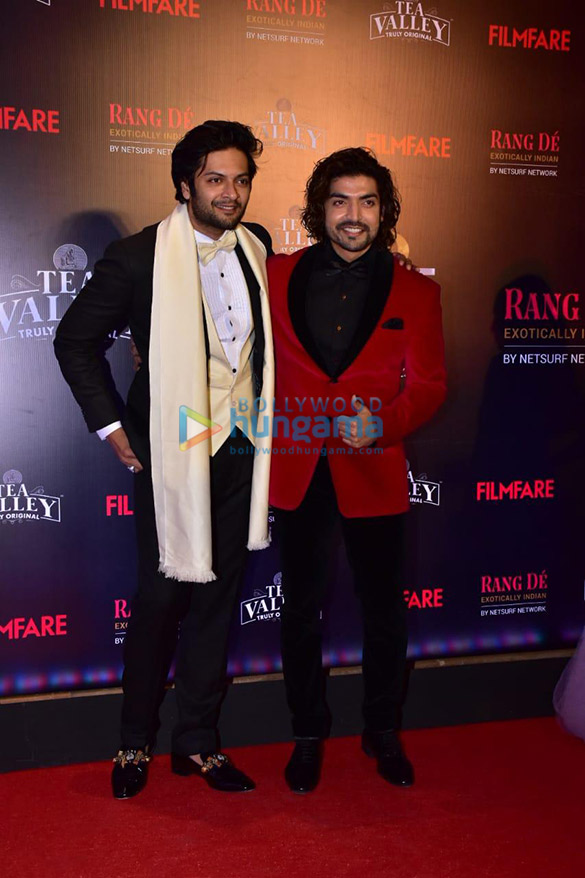 Celebs grace Filmfare Glamour and Style Awards 2019 at JW Marriott in Juhu-002 (21)