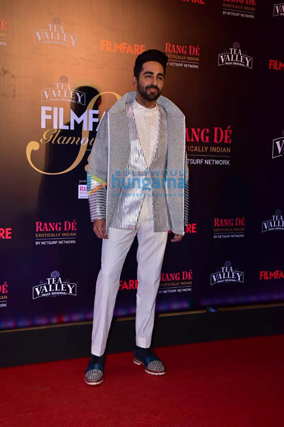 Celebs grace Filmfare Glamour and Style Awards 2019 at JW Marriott in Juhu-002 (8)