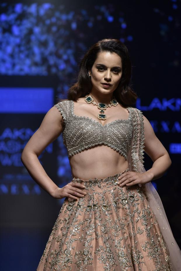 Kangana Ranaut for Anushree Reddy at LFW 2019 Summer_Resort (3)