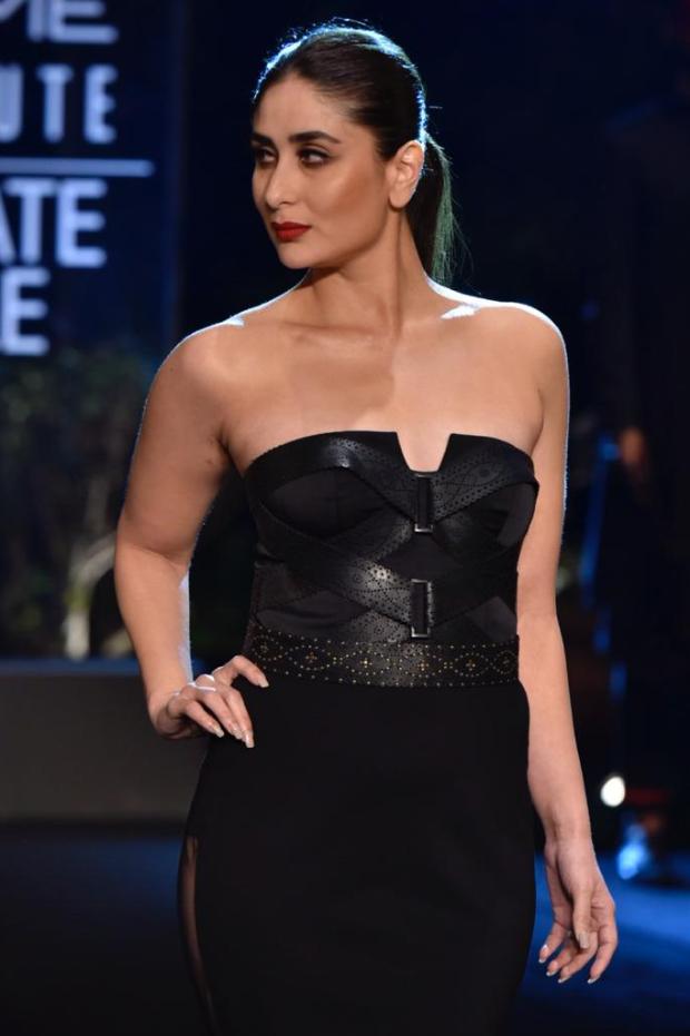 Kareena Kapoor Khan for Shantanu and Nikhil at LFW 2019 Summer_Resort finale (1)