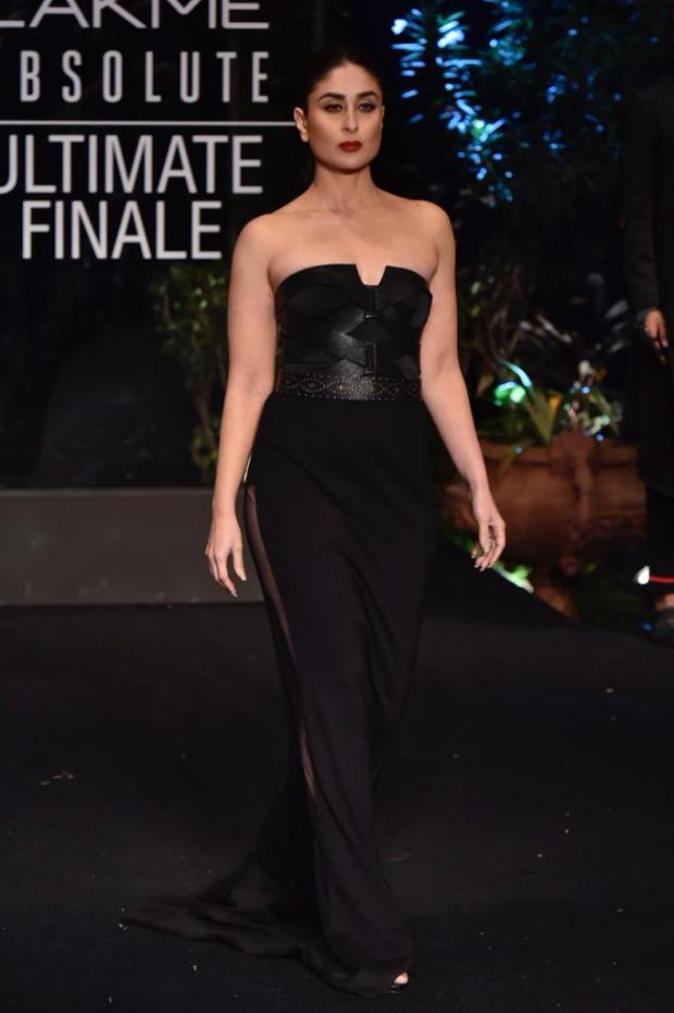 Kareena Kapoor Khan for Shantanu and Nikhil at LFW 2019 Summer_Resort finale (3)